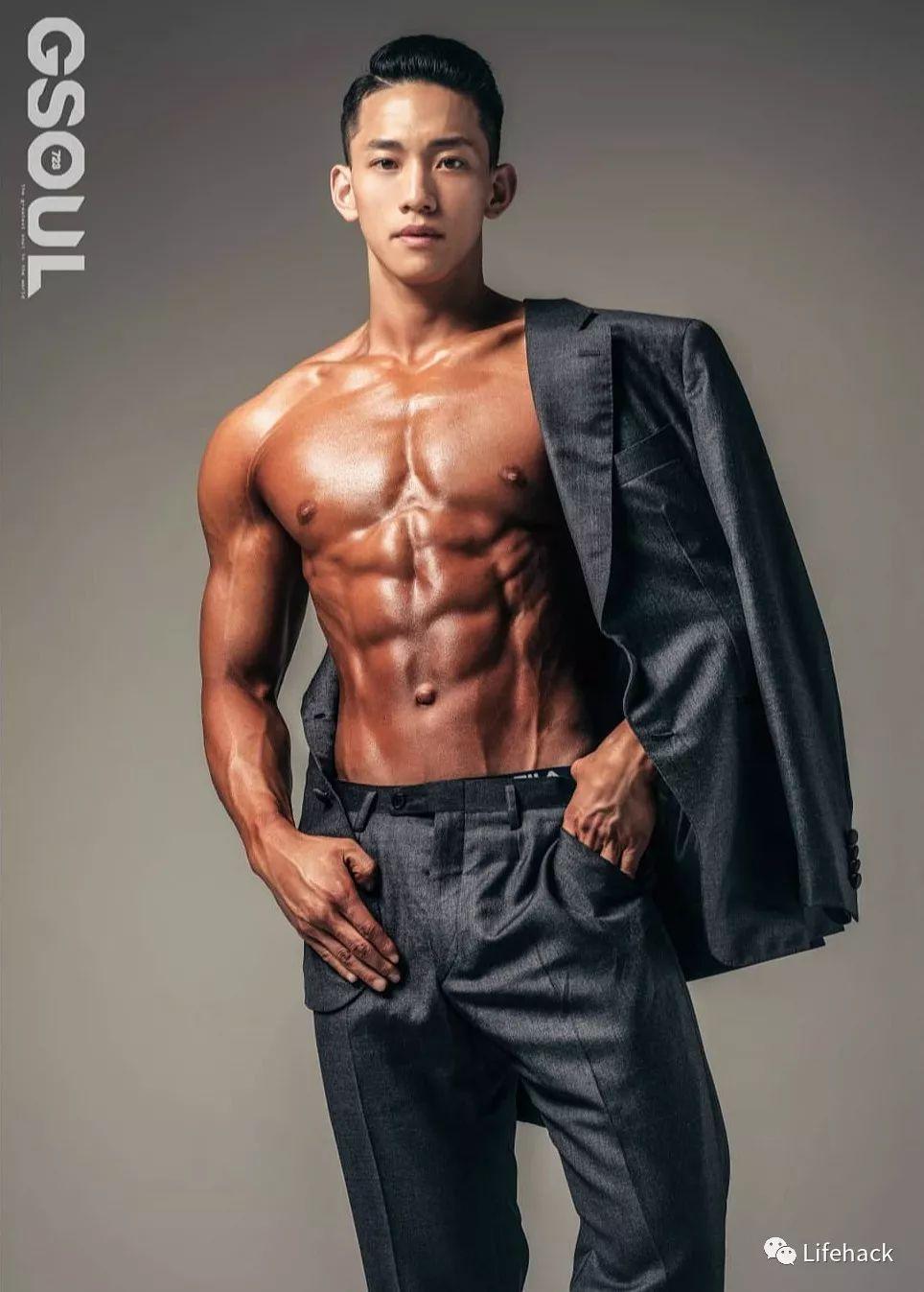 韩国拍了一组男体大片,满屏都是荷尔蒙