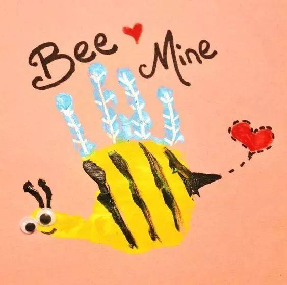 颜料与气球的完美结合,挂在窗前随风飘动,变身成一只只忙采蜜的小蜜蜂图片