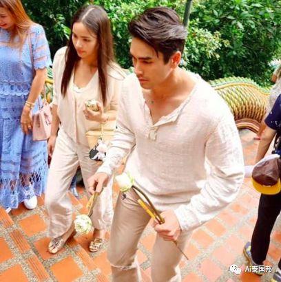 泰国国民情侣频频发糖:Yaya、Nadech同游清迈