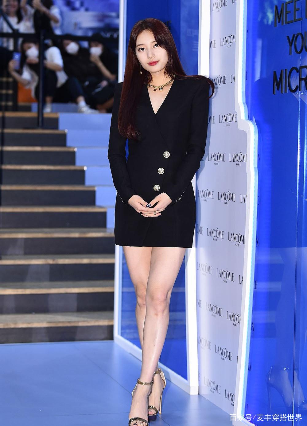"""她在韩国被称为""""国民初恋"""",今穿V领紧身配高跟鞋,性感极了"""