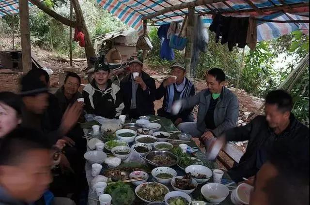 这些老挝饮食礼仪中的习俗