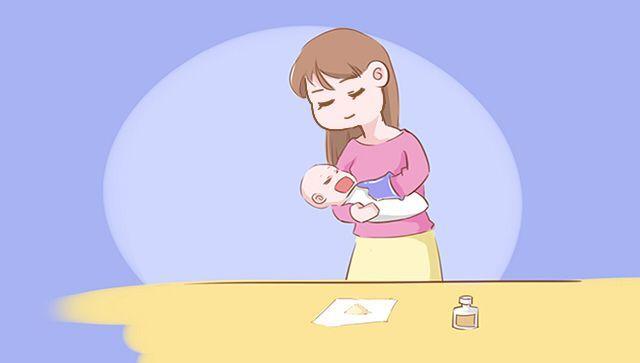 宝宝乳牙萌出之后,口水疹出现的几率会增高不少,家长们可要注意