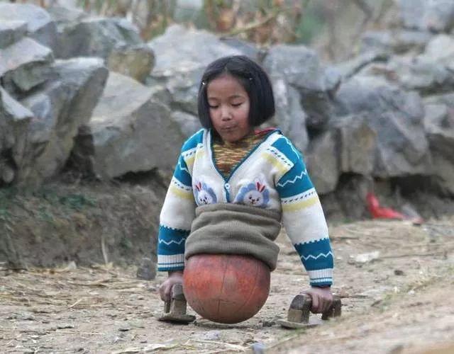 """十运会车祸_你还记得这个""""篮球女孩""""吗?_钱红艳"""
