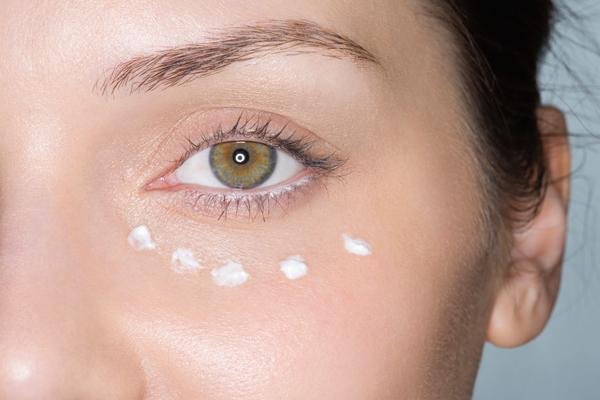 你们是不是都把面霜当眼霜用,但这样真的对吗?