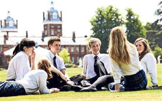 家长:我们为什么把孩子送去英国读高中?