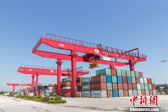 [中国新闻网]三峡枢纽白洋港疏港铁路开工建设 可实现铁水联