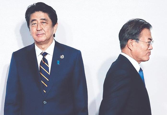 """日本正式将韩国移出贸易优待""""白名单"""""""