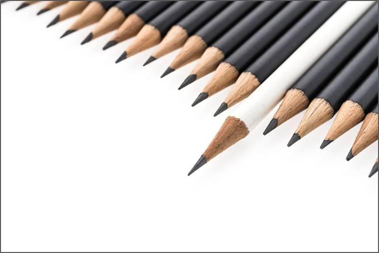 四种常见的硬笔书写工具 钢笔