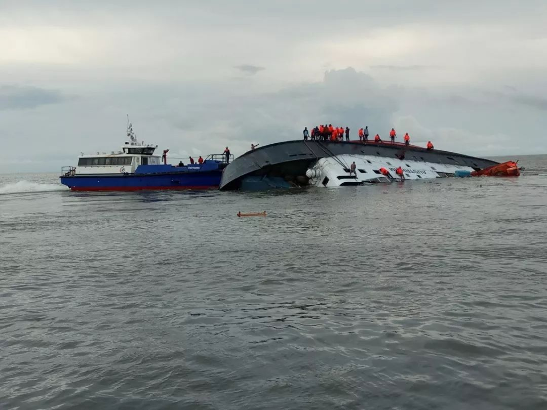 沉船3岁女孩遇难 系东方之星乘客中年龄最小的_川北在线