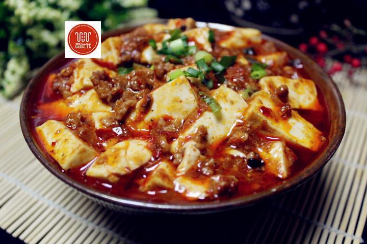 教你麻婆豆腐的家常做法,色泽红亮,豆腐嫩滑不碎,配米饭太香了