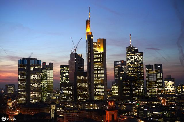 """在德国月入多少能被视为""""富人""""?"""