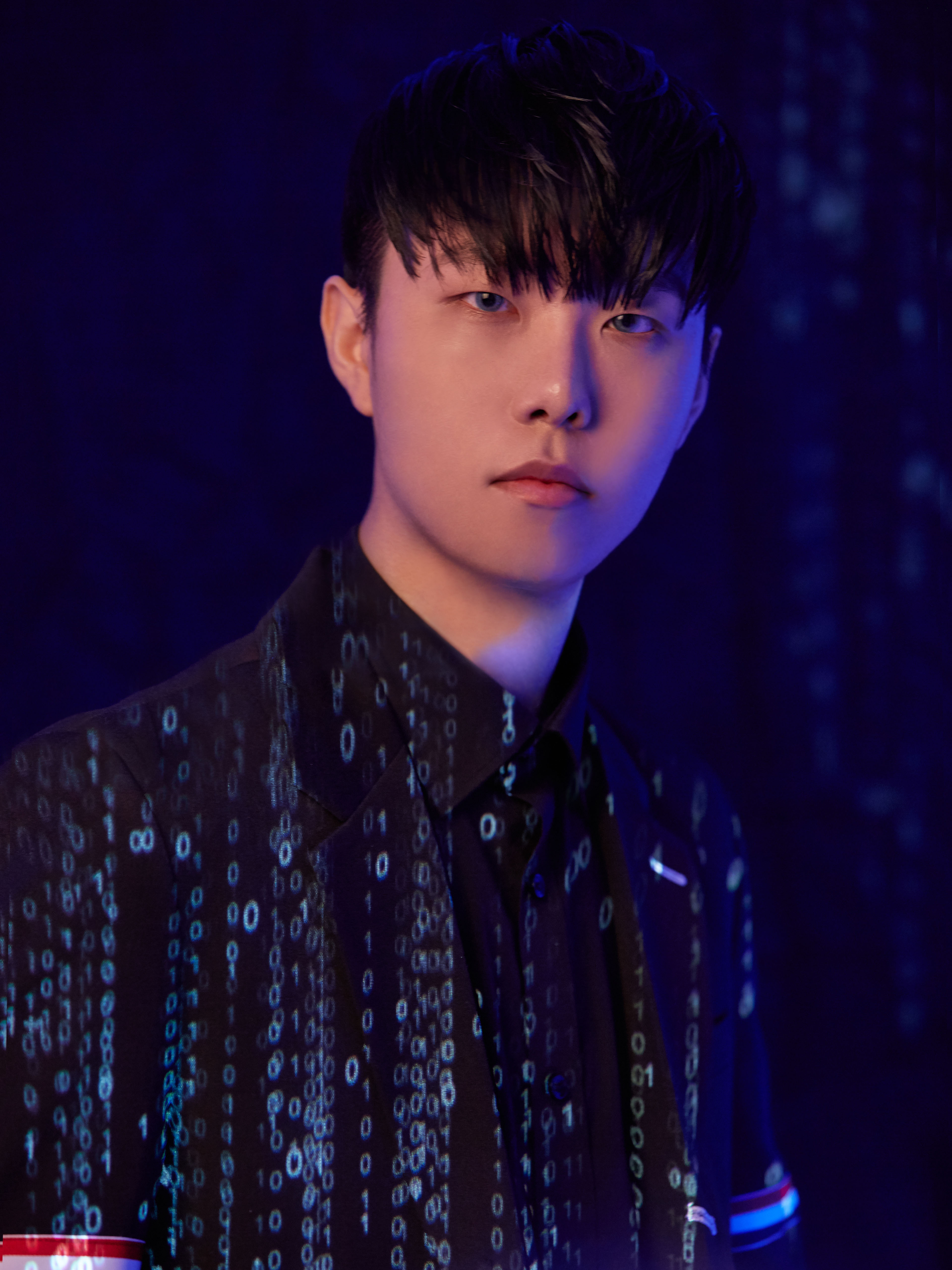 DJ兼制作人IMLAY今天下午5点公开新歌《Without U》音源和MV!