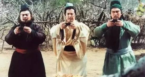 <b>若你是刘备,在关羽被杀后会倾国之兵伐吴吗?专家:换成谁都一样</b>
