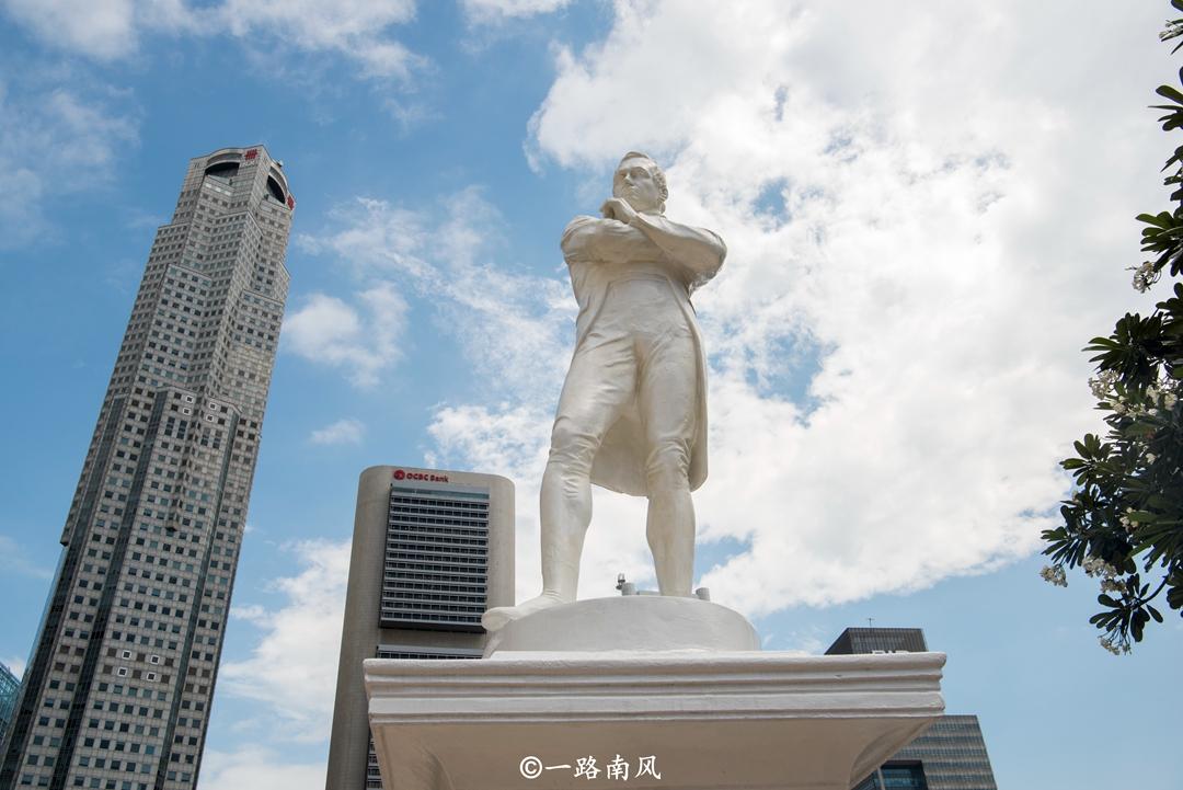 东南亚旅游业最发达小国,比重庆小一百多倍,华语是官方语言!