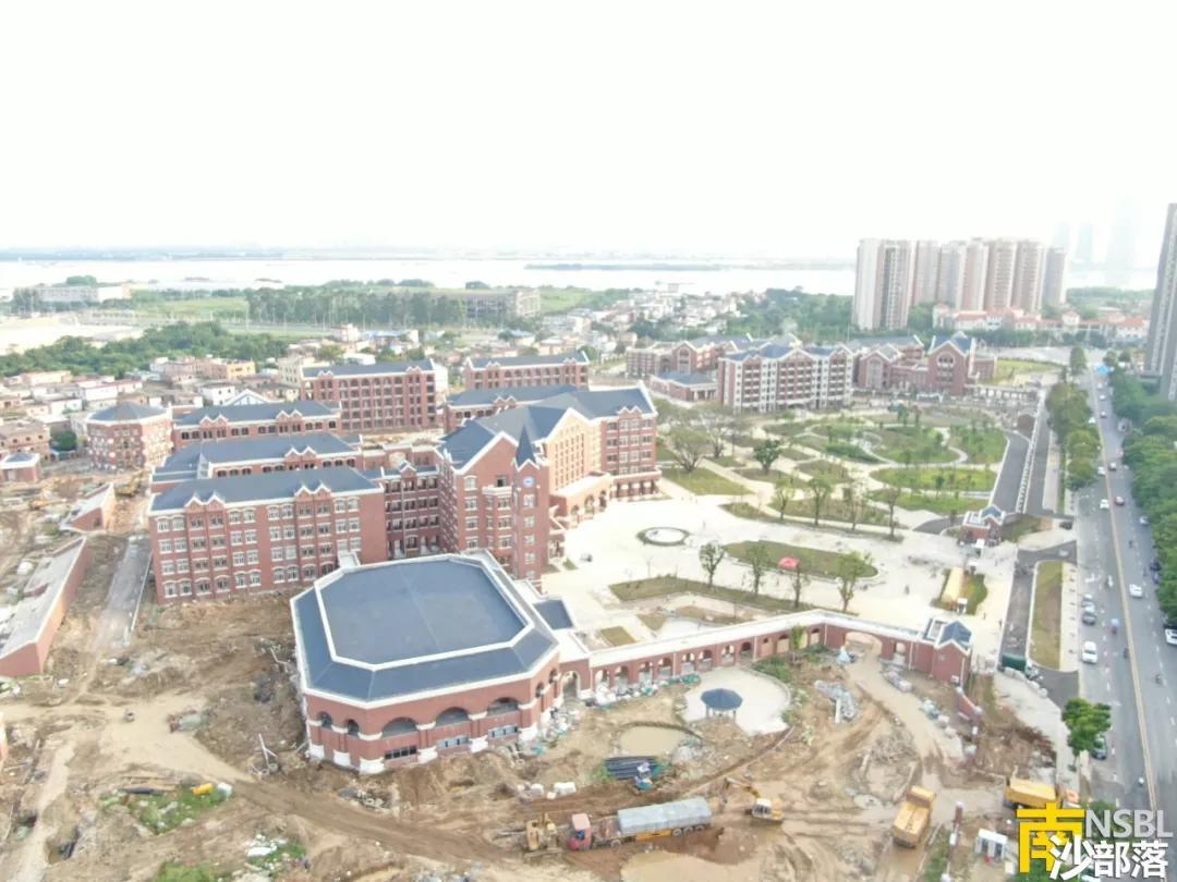 原创            离开学仅几天时间,广州外国语附属学校校园完工情况让人揪心
