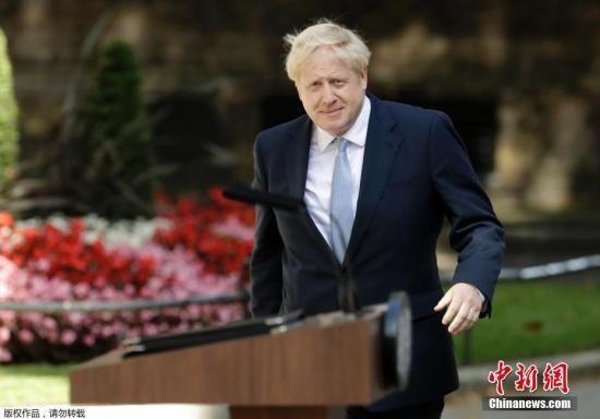 """<b>""""硬脱欧""""?约翰逊安排英议会休会五周</b>"""