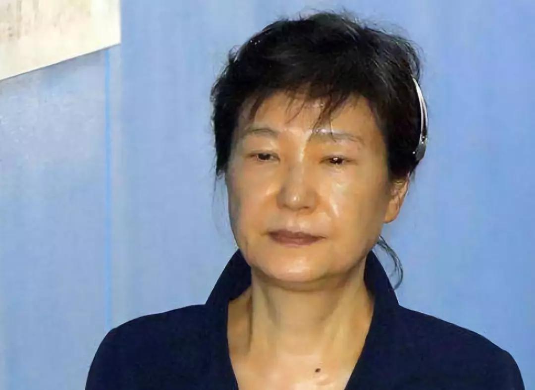 韩法院直接允许宣判时直播,朴槿惠的态度成迷!