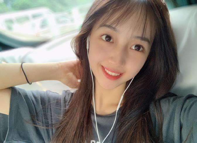 30岁吴亦凡绯闻女友身份曝光,模样清纯是北电新生,今年不过19岁