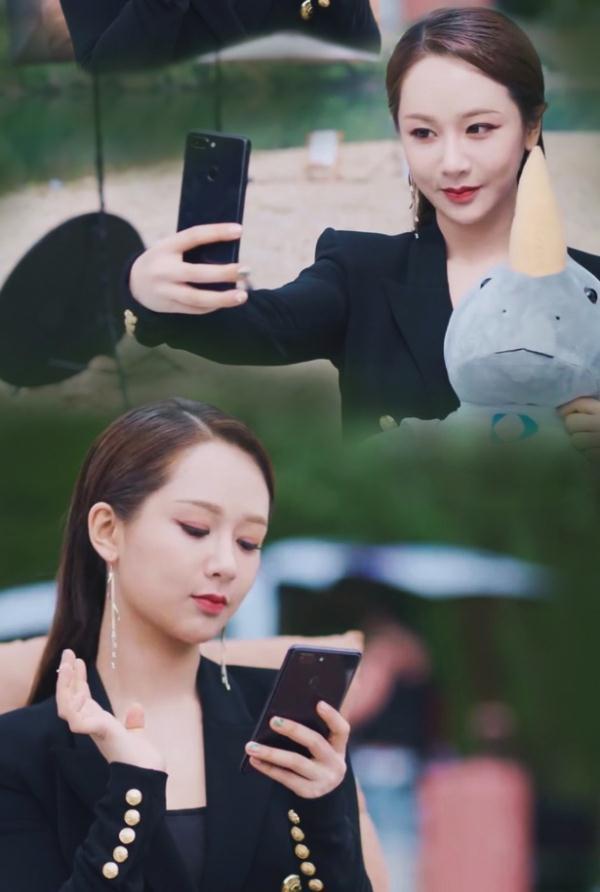 杨紫首演霸道总裁,梳长发大背头化粗眼线,网友:脸就很违和!
