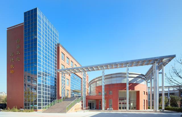 """这所高校是直辖市中唯一的211""""医科大学"""",低调而内敛"""