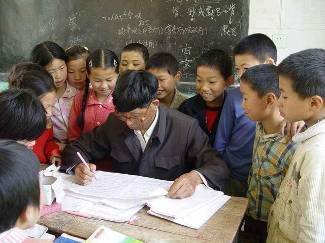 乡村教师辞职记:从教育局出来,我知道再也回不到坚守24年的讲台