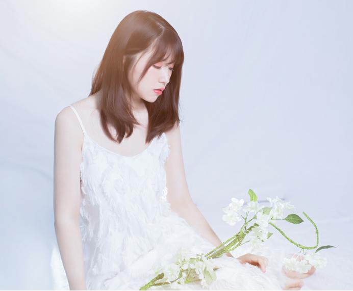 乐坛新生代歌手婧一抒情首发最新歌曲《叹》