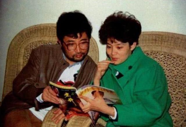 他的前妻是影后潘虹,一见钟情爱上央视主持人,今71岁单身一人