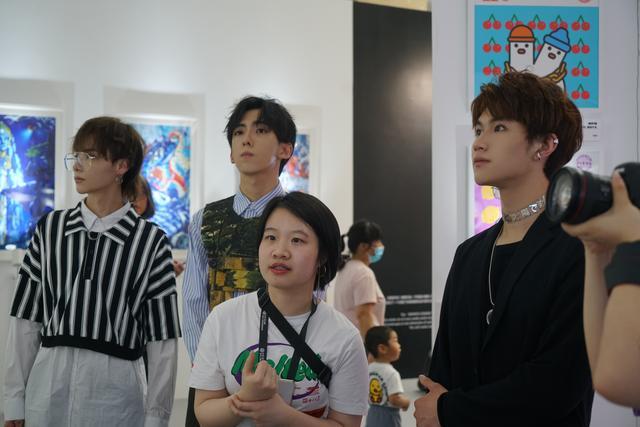 未来星光练习生受邀北京当代艺术展 探寻艺术之美