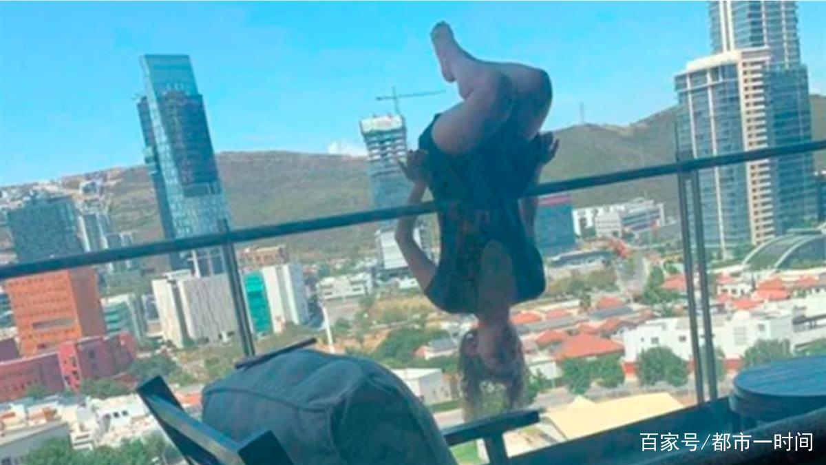 """女子炫技阳台""""倒挂金钩"""",结果8楼坠下,全身100多处骨折!"""