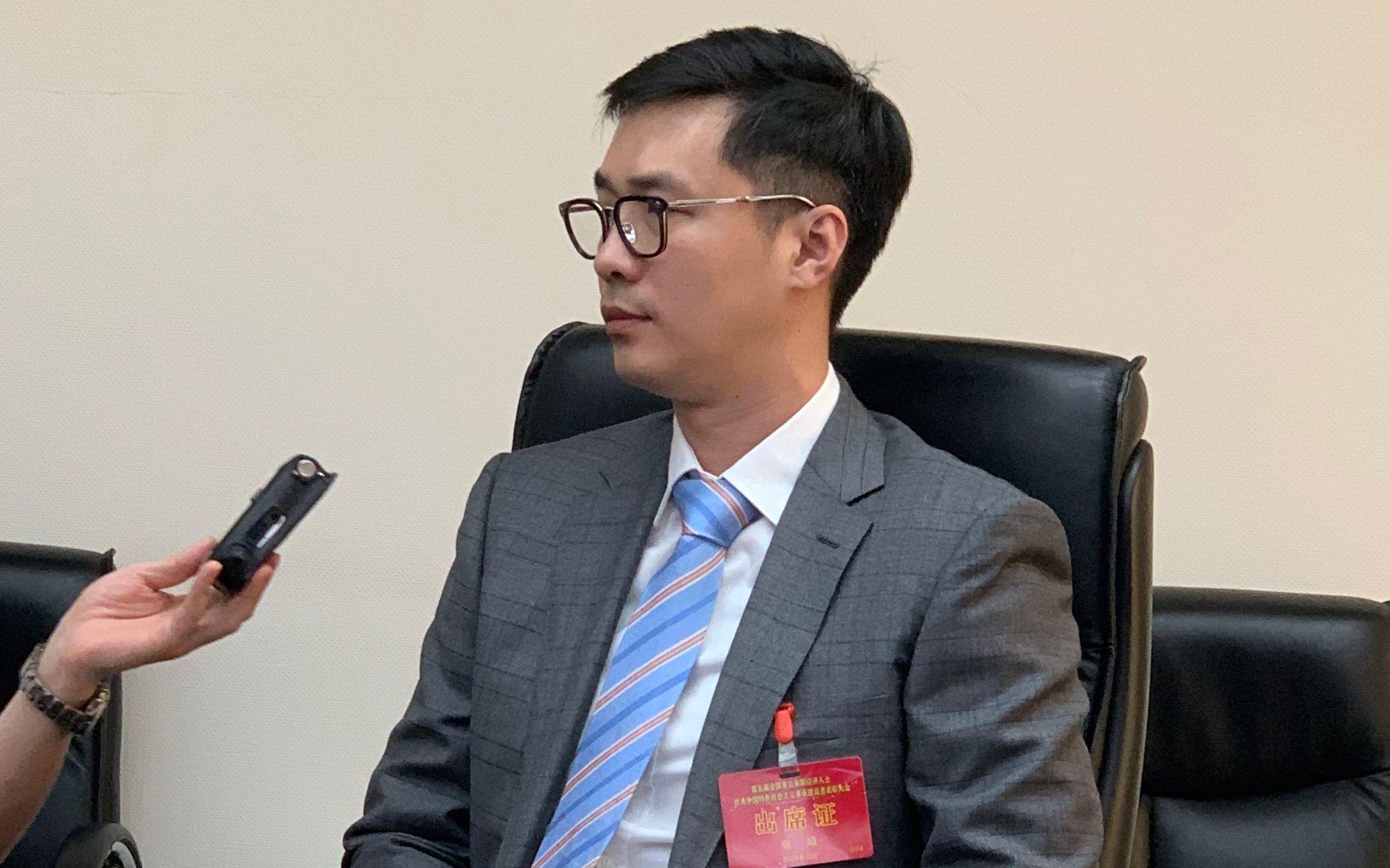 """""""唐家三少""""张威:国内文学网站审核标准不统一"""