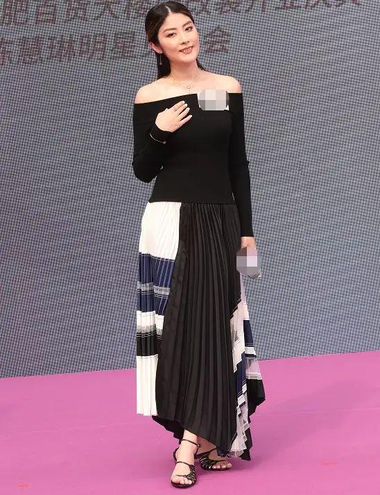 陈慧琳是真的老,身材也发福,穿黑裙难掩老态勒出麒麟臂!