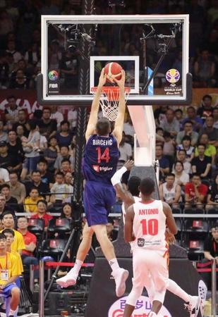 男籃世界杯首戰佛山揭幕!塞爾維亞首場狂勝非洲冠軍,三分太準了