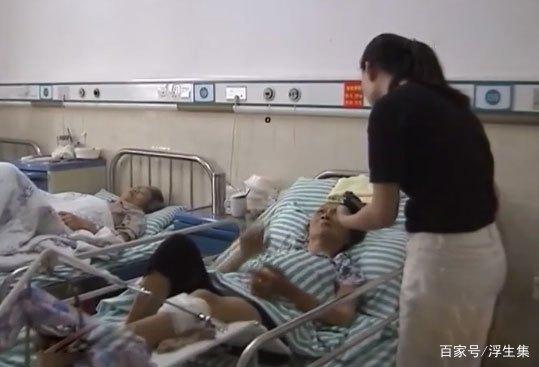 86岁老母摔跤住院,儿子们都不肯出钱治疗,儿媳:都怪婆婆心太狠
