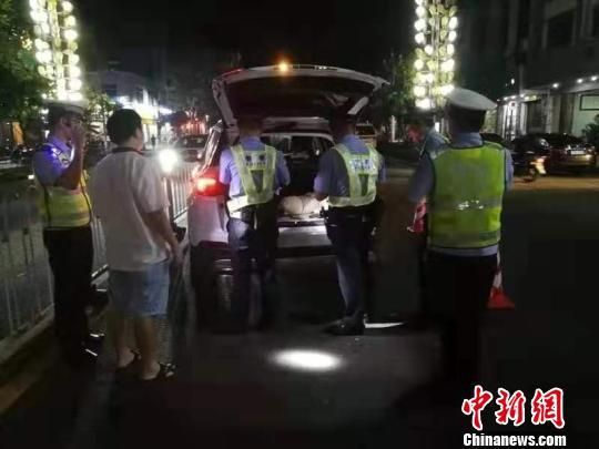 广东湛江警方利用智慧新警务半年抓获在逃人员707名