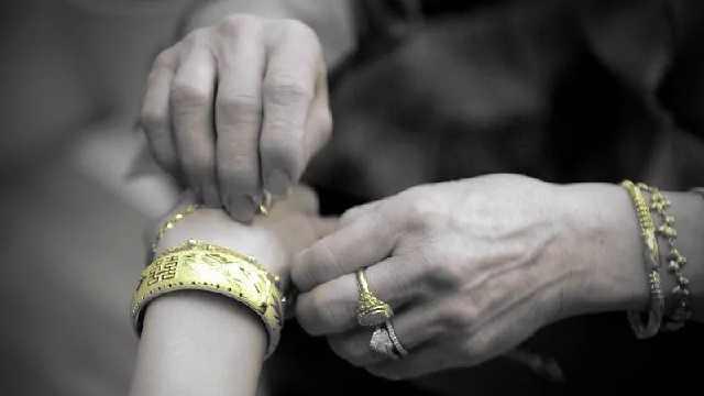 怒了!泉州81岁老人花5000元给孙女买嫁妆!竟买到两块废铁……