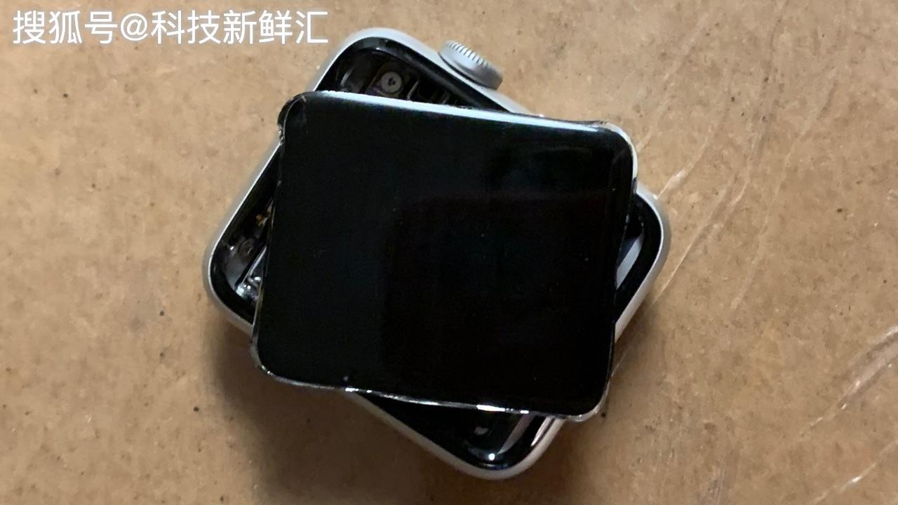 利好消息!苹果宣布,若Apple Watch屏幕开裂,官方可以收费改换