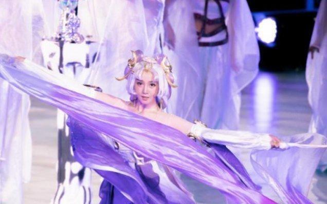 陈小纭cos 王者荣耀 嫦娥,舞姿美如画中仙,网友 最美嫦娥