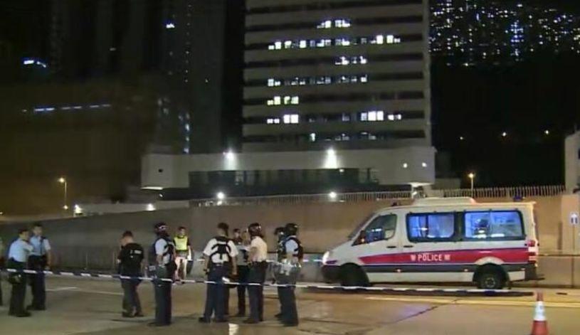 丧心病狂!一香港警员下班后遭三名蒙面人持刀砍伤!