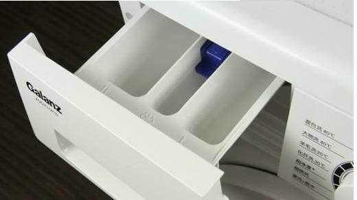 滚筒洗衣机里面有一个小盒子,不懂怎么用,难怪衣服洗不净