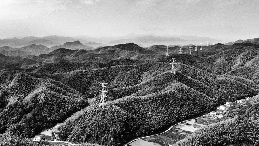 """【70年安徽影像】大别山贯通新能源""""动脉"""""""