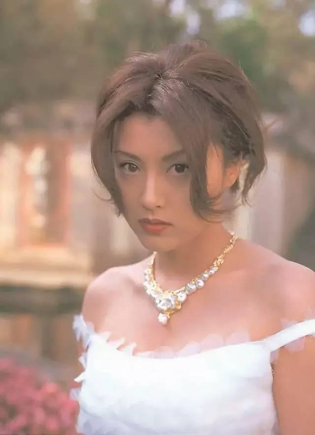 """撞脸陈红还被誉为""""世纪幻想"""",是郭富城前任里美貌被低估的一位"""