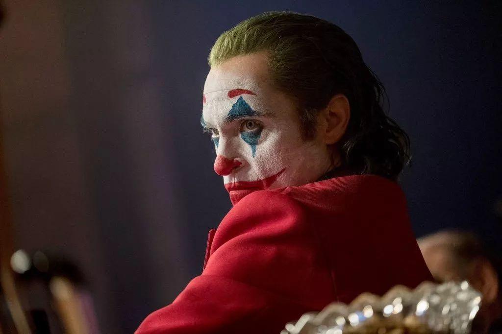 《小丑》到底是不是最佳超级英雄电影?