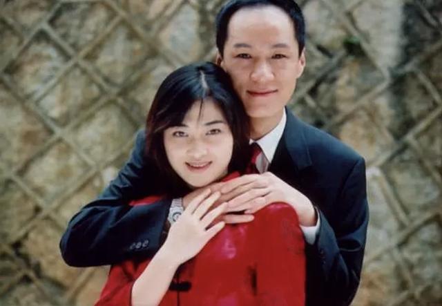 44岁梅婷现身拍戏,老态明显撞脸60岁倪萍,演技精湛一遍就过