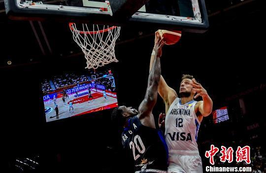 男籃世界杯B組:俄羅斯隊險勝 阿根廷隊輕取對手