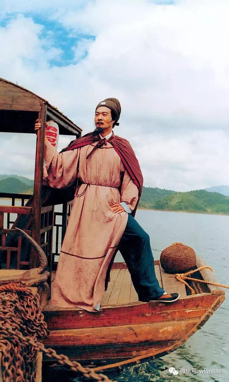 香菱父亲是贾雨村的恩人,为何贾雨村却对香菱见死不救?