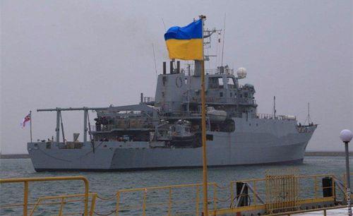 <b>8万俄海军演习正酣,突然闯入一艘侦察舰,老朋友甘愿当马前卒</b>