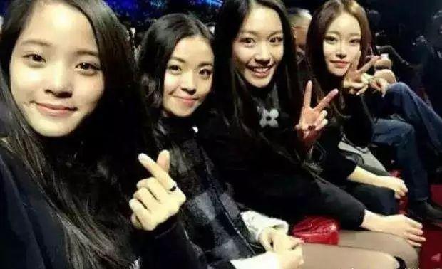 欧阳娜娜和蔡徐坤被曝恋情?她的朋友圈不一般!