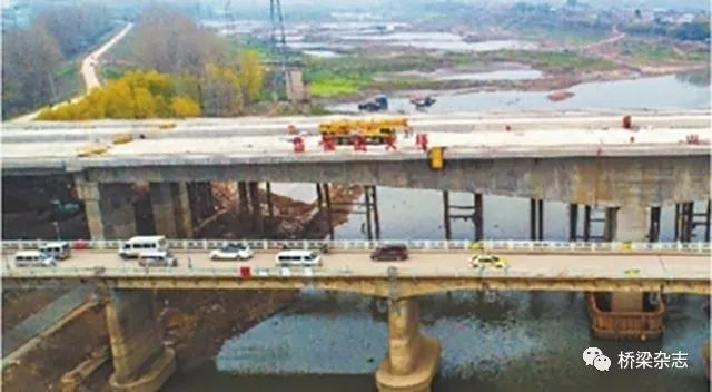 池州长江公路大桥建成通车 安徽全椒一在建大桥垮塌 石首长