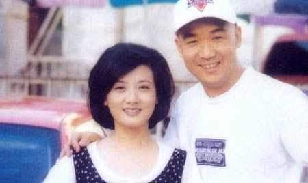 张国立的儿子张默_与张国立结婚30年,被继子伤透心,今终于实现自己当妈妈的愿望 ...