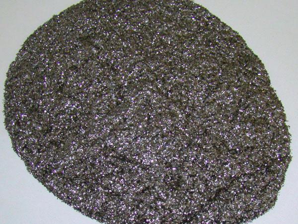 鱗片石墨制作散熱片的優勢有哪些?